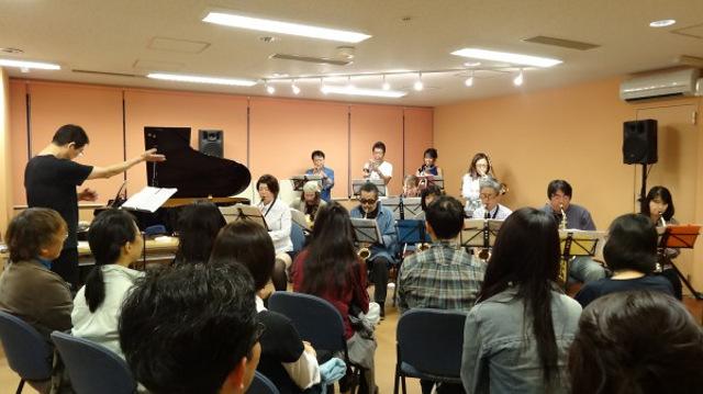 レプレ新宿ビッグバンドの練習風景