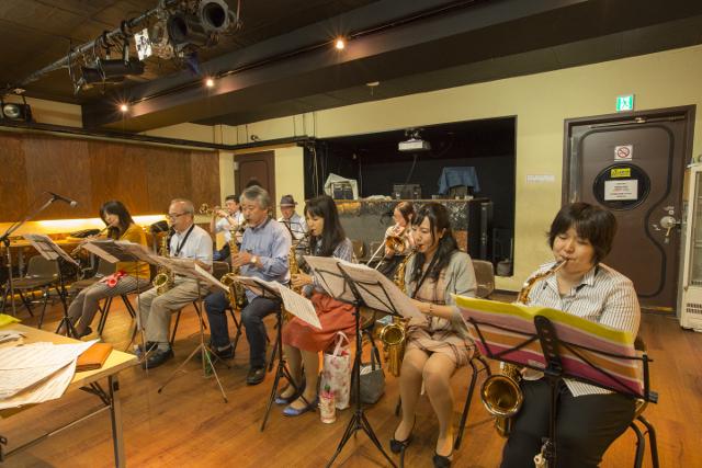 東京・飯田橋で大人の大人のジャズアンサンブルがスタート!トランペット・サックス・トロンボーン・フルート・クラリネットなど、管楽器大募集!