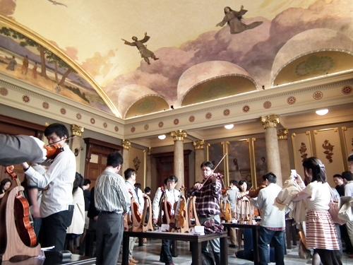 関西弦楽器製作者協会展示会