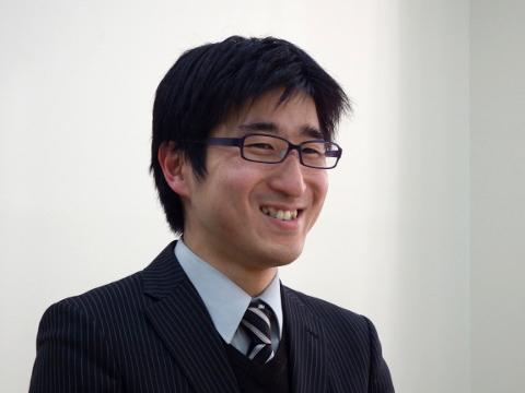 顧問の髙橋亮先生
